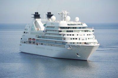 Relaxez-vous luxueusement à bord d'un yacht ou au cours d'une croisière